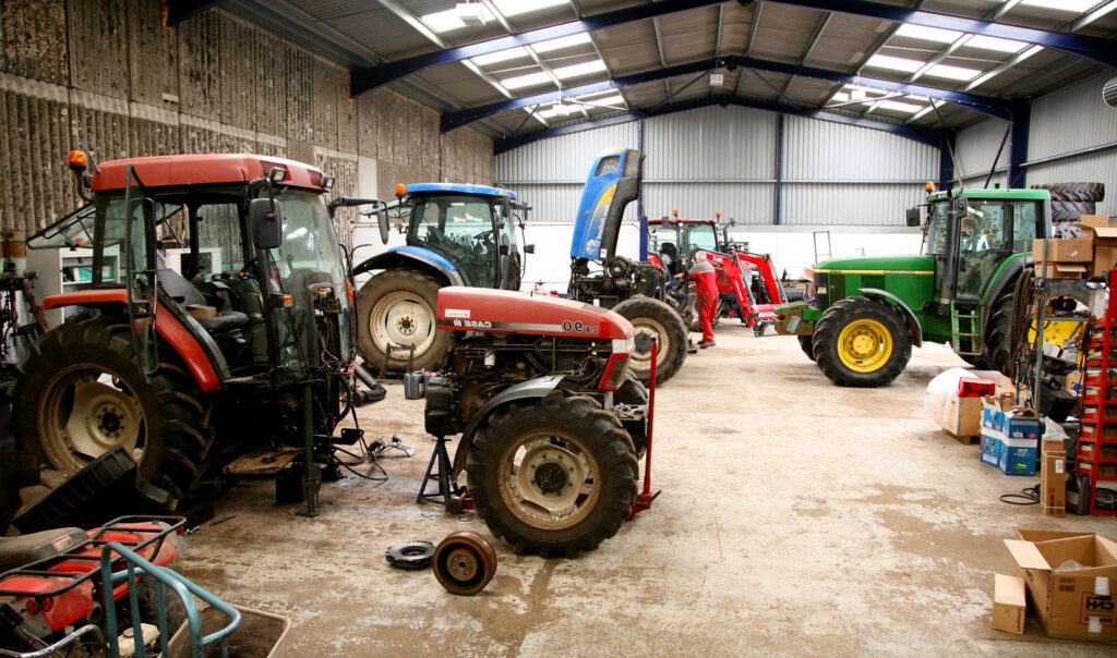 Ангар для ремонта КПП тракторов